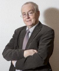 Dr. Marc Moens